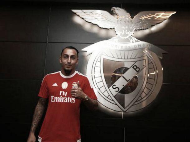 Benfica apresenta o seu novo avançado, Konstantinos Mitroglou