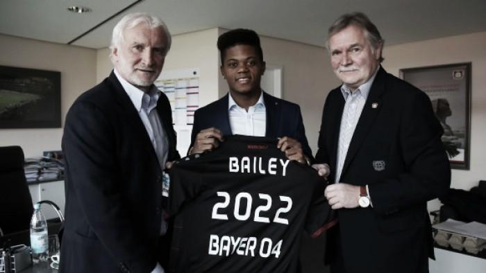 Após passagem no Genk, atacante Leon Bailey é contratado pelo Bayer Leverkusen