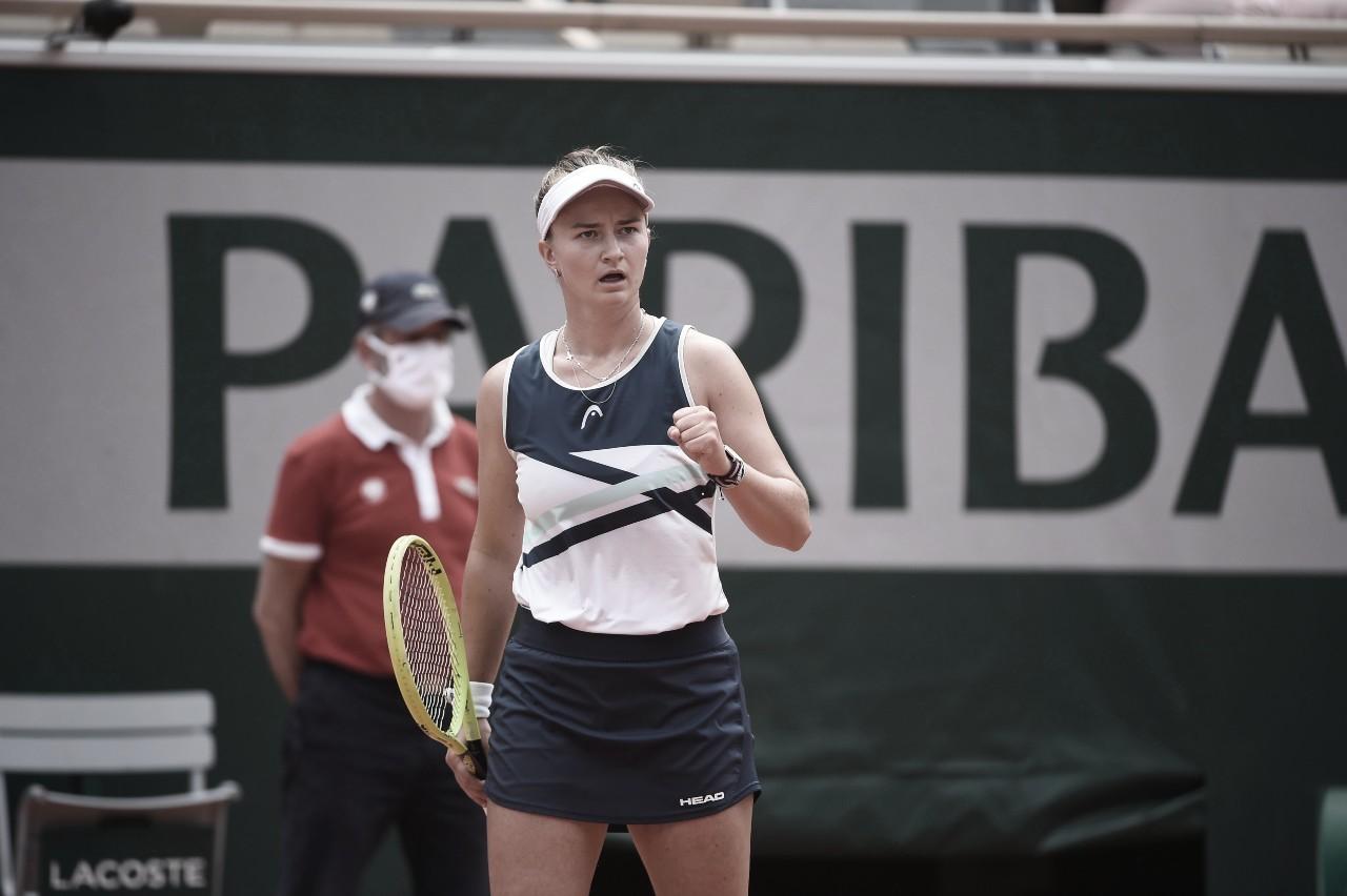 Krejcikova supera Pavlyuchenkova em Roland Garros e conquista primeiro Slam em simples