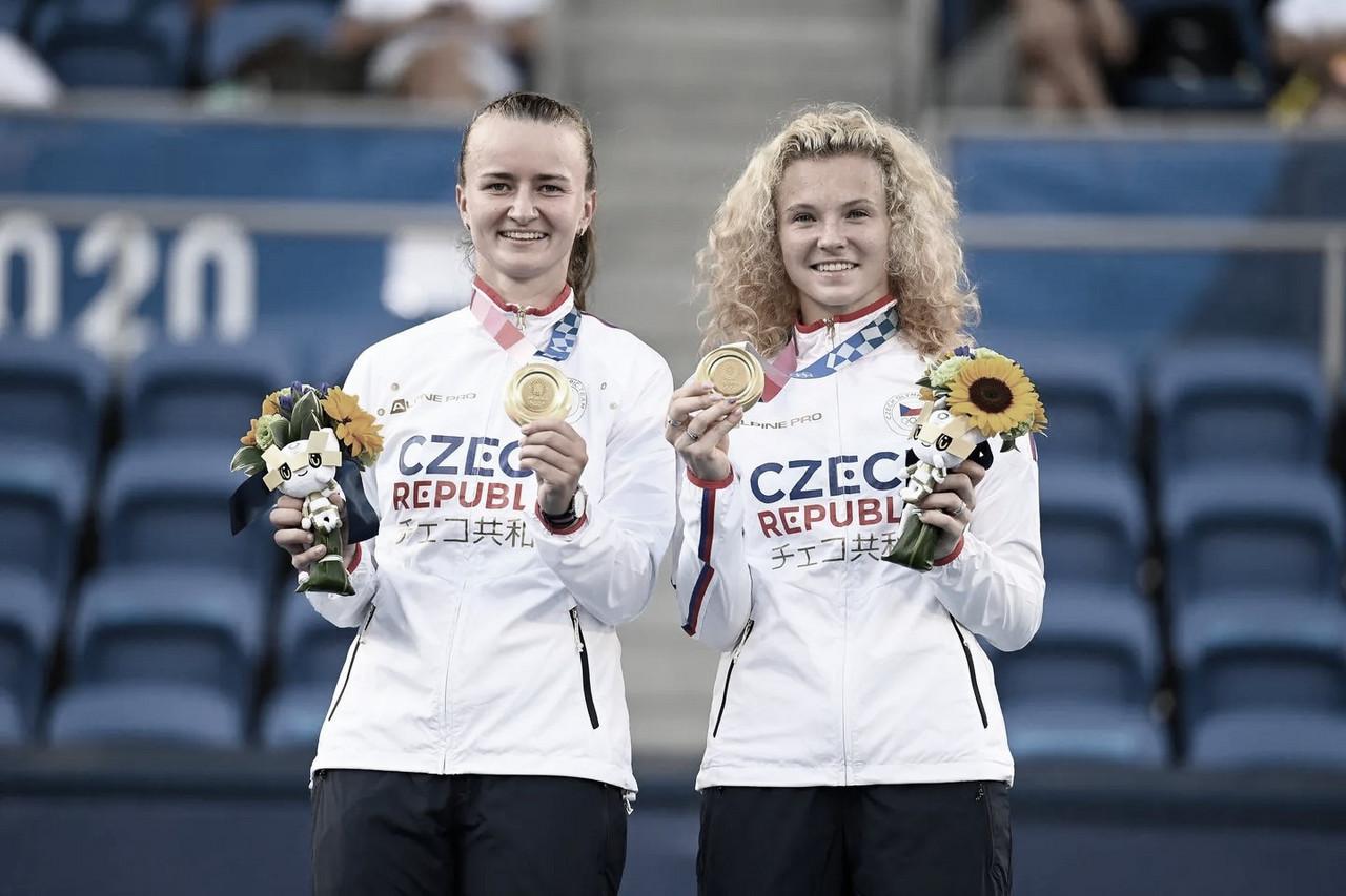 Krejcikova y Siniakova arrasan el dobles femenino