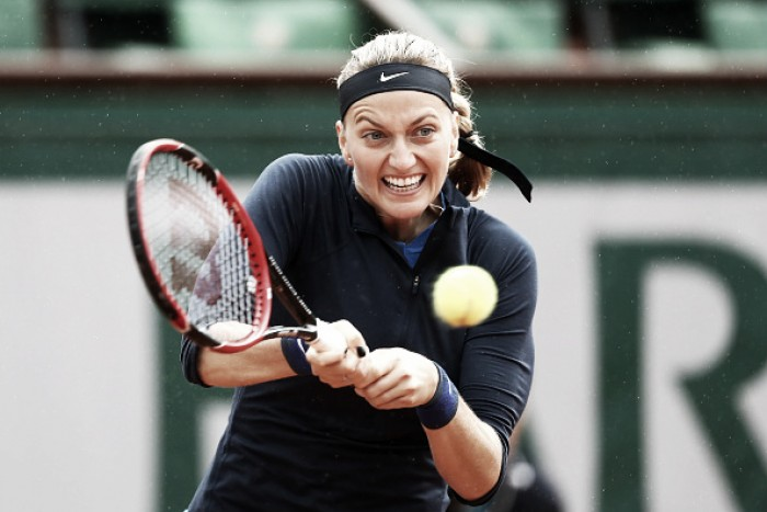 Petra Kvitova sofre, mas passa por Kovinic na estreia em Roland Garros