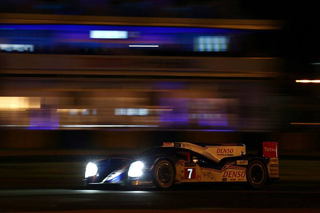 24 heures du Mans H+12 : Toyota à l'affut d'Audi