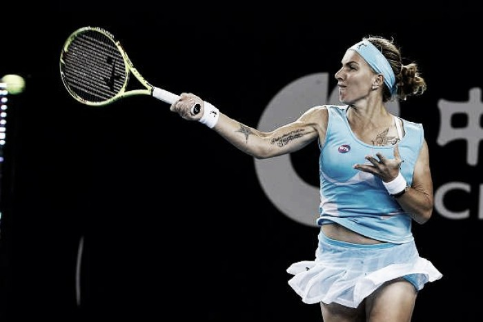 Kuznetsova vence Pliskova e assume liderança do grupo branco do WTA Finals