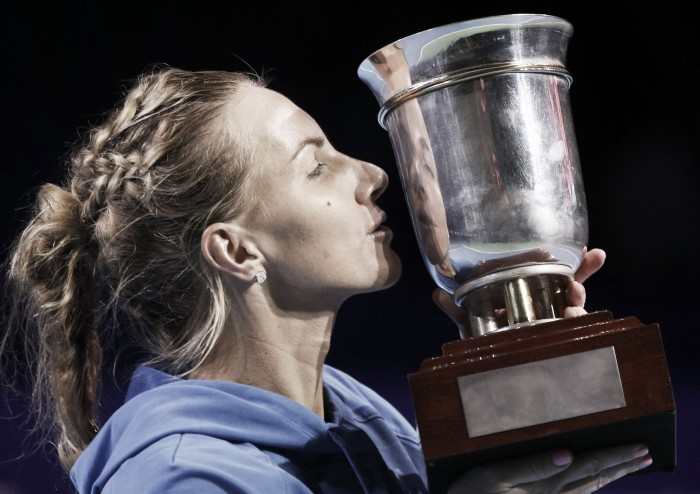 Kuznetsova é bicampeã em Moscou e garante sua vaga no WTA Finals