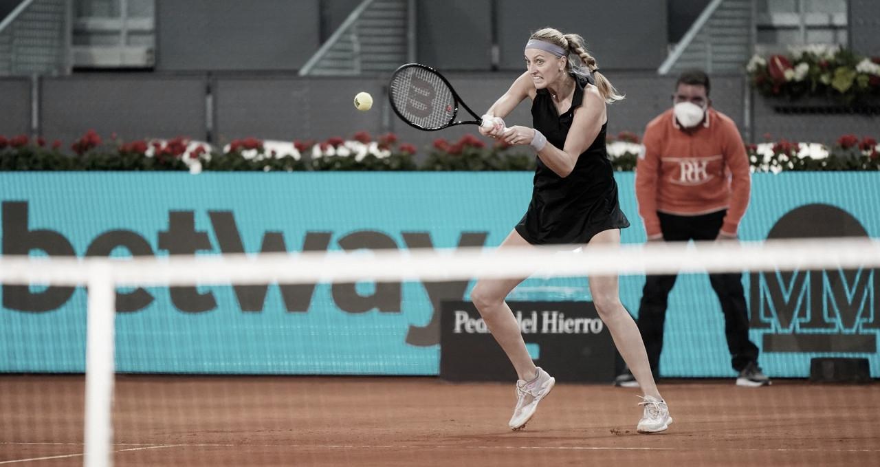 Bouzkova abandona após machucar a mão, e Kvitova avança em Madrid
