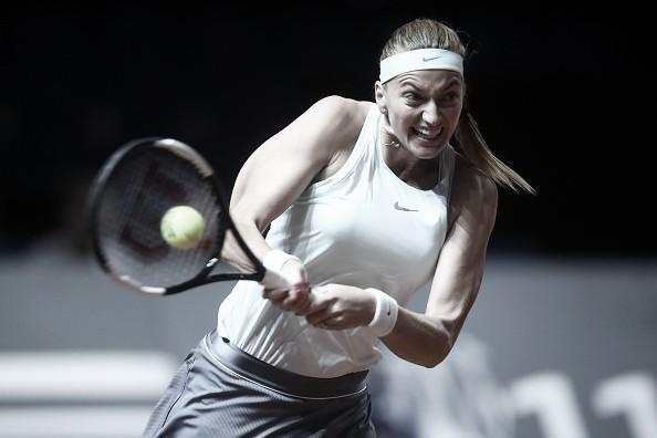 Kvitova se rehace ante Sevatova y se planta en semis de Stuttgart