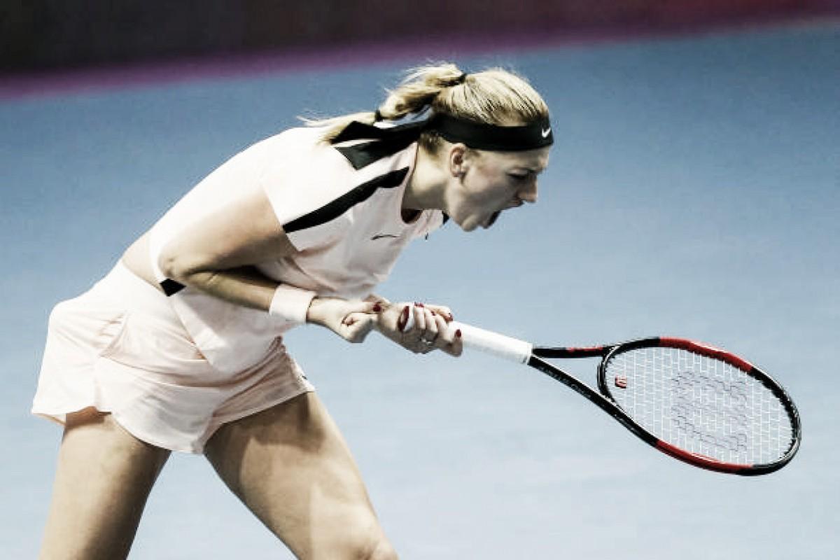 Kvitova supera Wozniacki e enfrenta Muguruza na final em Doha