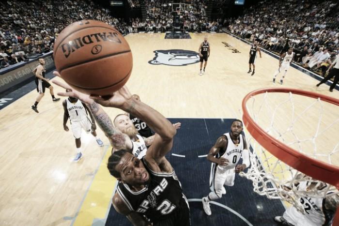 Los Spurs, primer equipo en semifinales de conferencia
