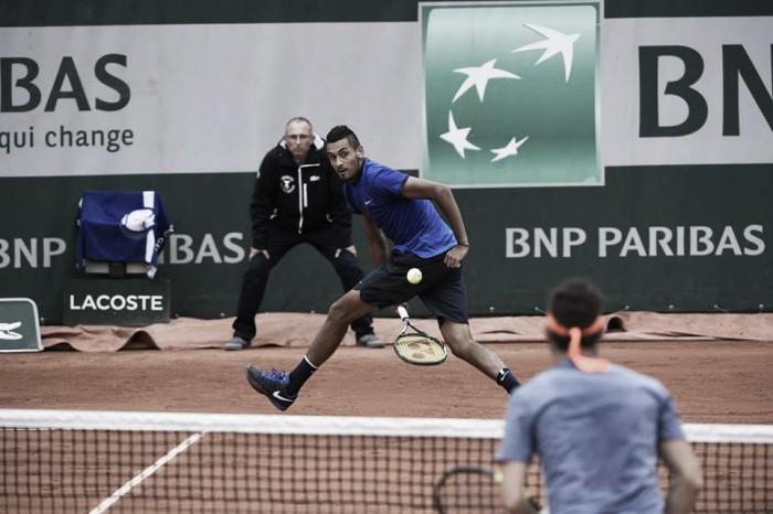 Roland Garros, Kyrgios stende Cecchinato. Paire si salva, poi la pioggia