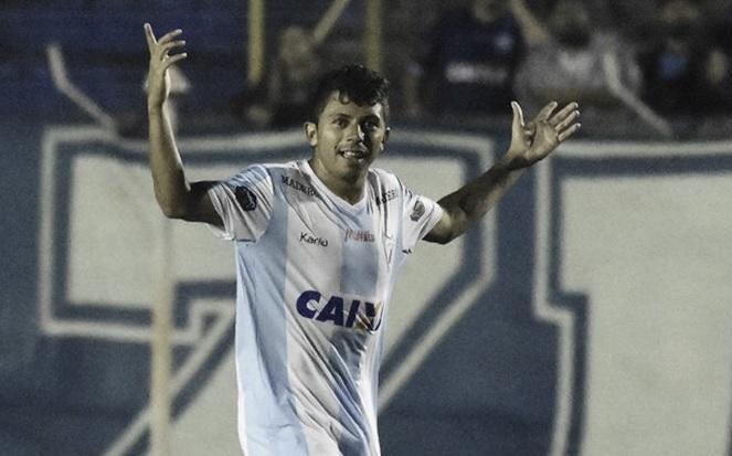 Londrina derrota São Bento e se aproxima da briga pelo acesso à Série A