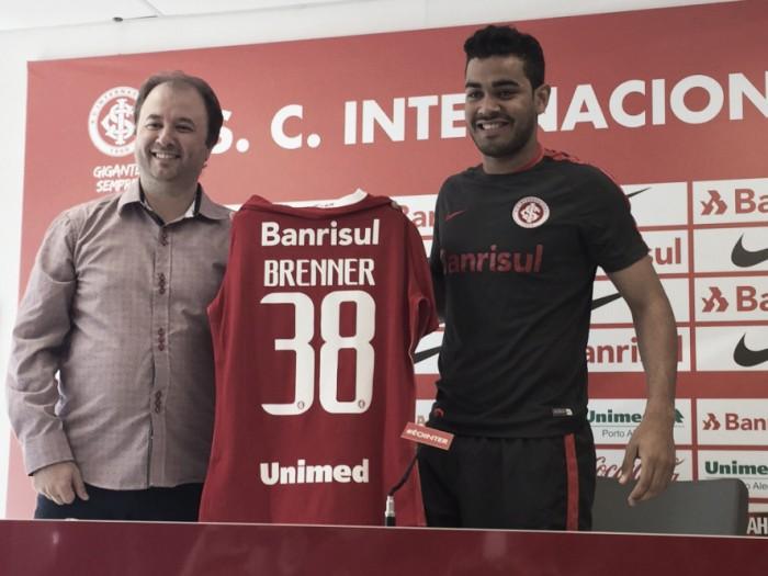 """Com boa média pelo Juventude, Brenner é apresentado no Inter: """"Brigar pelo meu espaço"""""""