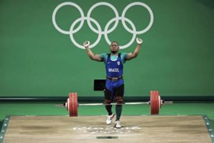 Brasileiro Welisson Rosa fica em oitavo no Grupo B do levantamento de peso