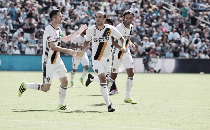 Landon Donovan rescues late point for LA Galaxy against Sporting Kansas City