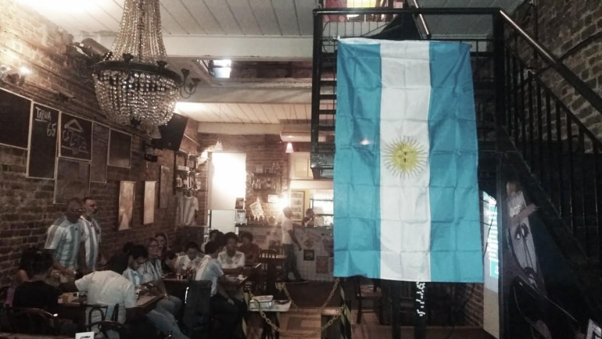 Dia com hermanos: VAVEL Brasil acompanha torcida argentina no Rio em derrota para Croácia