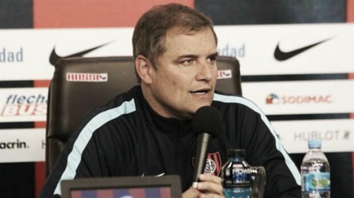 """Diego Aguirre: """"Tal vez merecimos algo mas"""""""