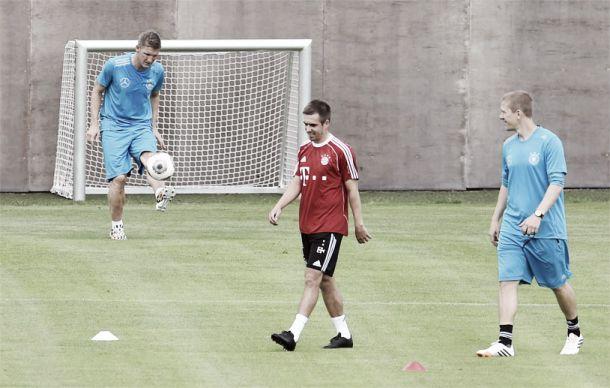 Trio de poupados da Alemanha volta a treinar em Munique, mas dois não encaram a Armênia