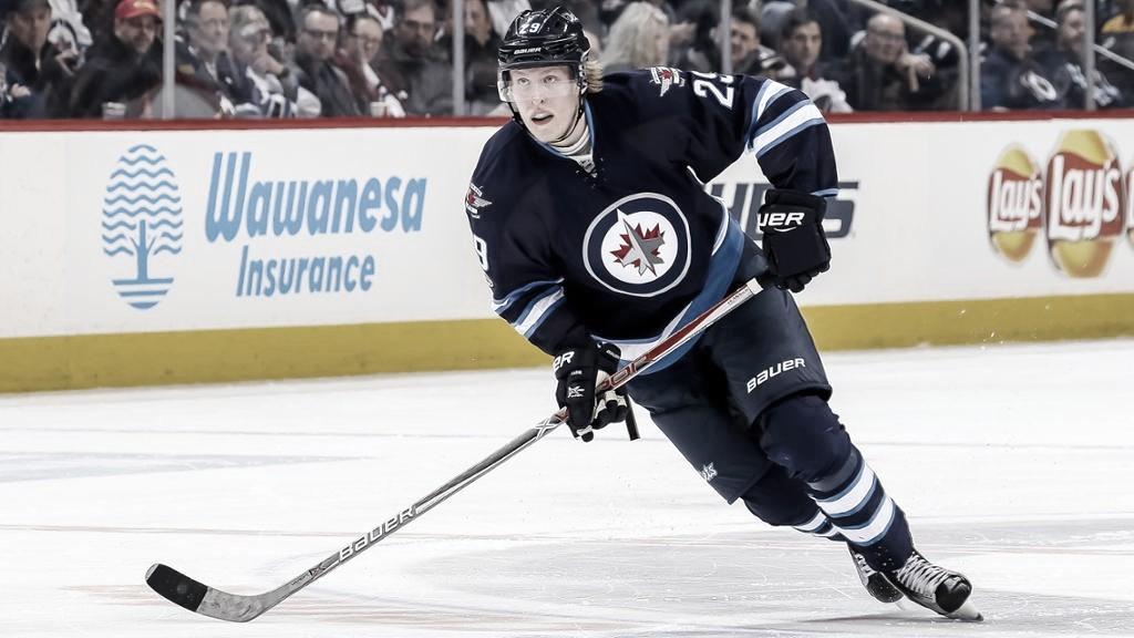 Patrik Laine y Winnipeg Jets unen caminos por dos años más