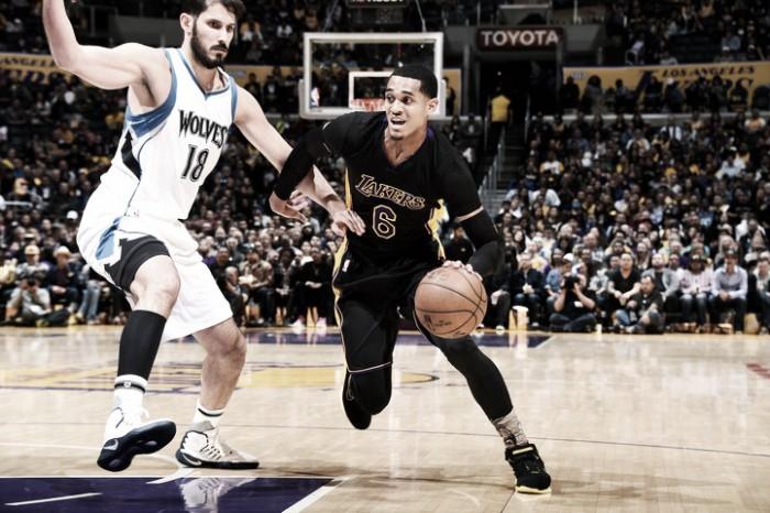 Los Lakers triunfan ante Minnesota