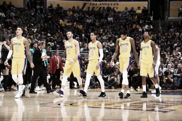 Nueva derrota de los Lakers