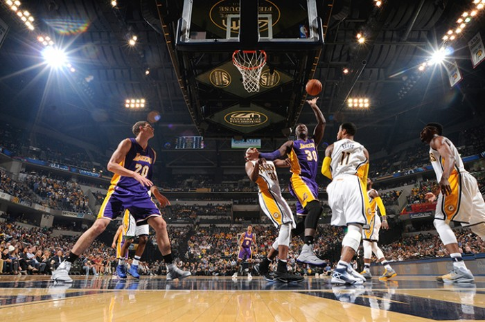 NBA - Lottano i Lakers, ma vincono i Pacers: ad Indianapolis non basta Lou Williams, decide George (115-108)