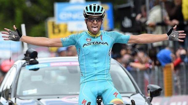 Vuelta 2015, un cavaliere in rosso. Aru si prende la corsa, tappa a Landa. Si stacca Quintana, crolla Froome
