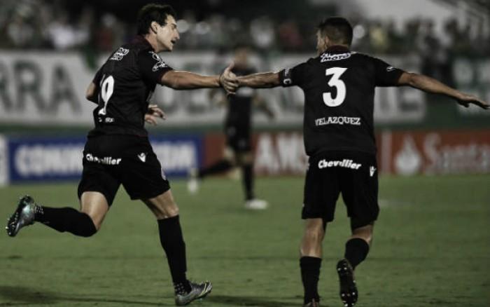 Lanús vence de virada e frustra estreia da Chapecoense em casa na Libertadores