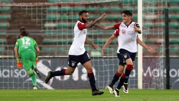 Un Cagliari schiacciasassi si prende la Serie A: Bari battuto 0-3 al san Nicola