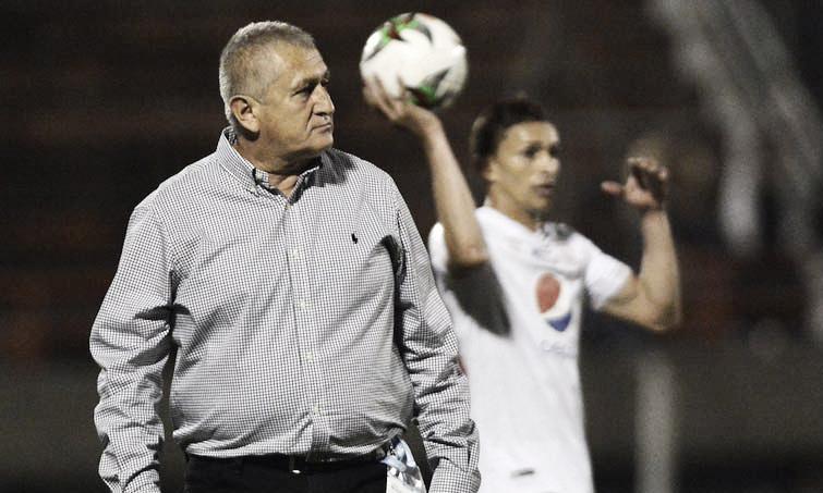 """Eduardo Lara: """"Indudablemente los chicos han hecho un gran partido"""""""