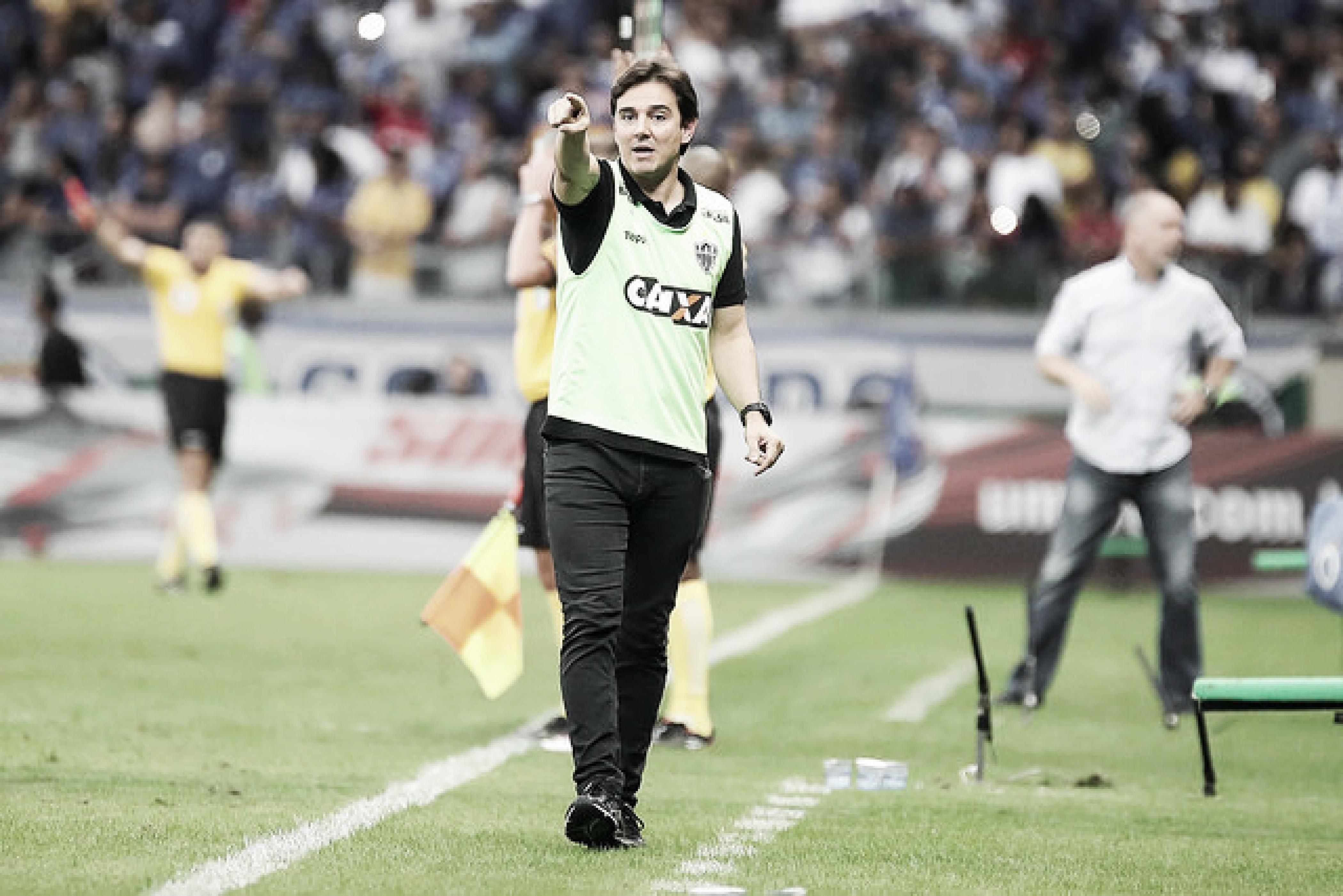 """Thiago Larghi lamenta empate do Atlético-MG diante do Cruzeiro: """"Ficamos abaixo do padrão"""""""