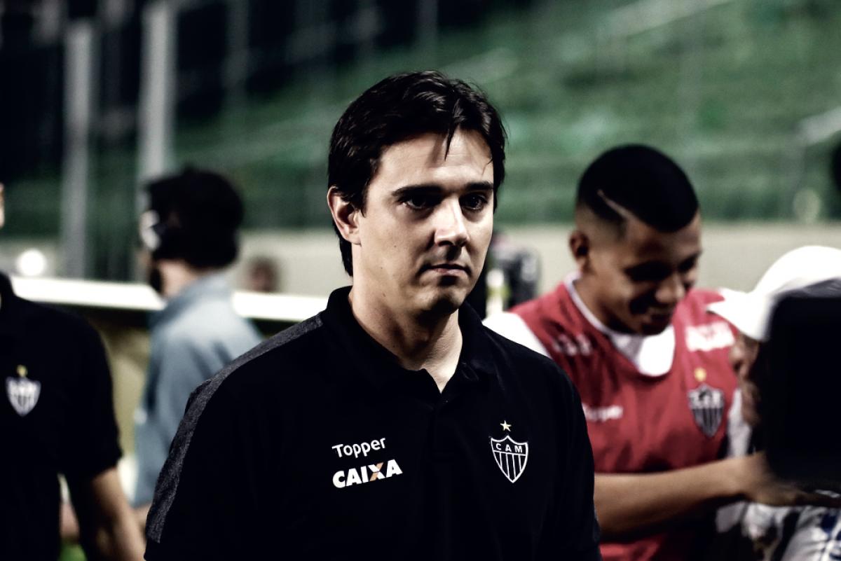 """Thiago Larghi celebra vitória, mas cobra entrosamento do Atlético-MG: """"Discurso continua o mesmo"""""""