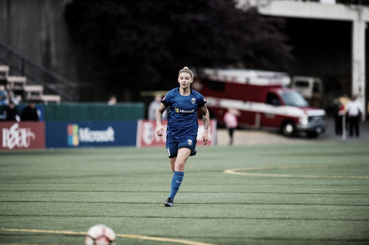 Seattle Reign FC waive Larissa Crummer