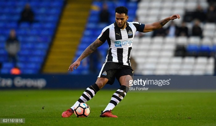 """""""We're going to trust Rafa Benitez whatever formation he tells us to play"""" reveals Jamaal Lascelles"""