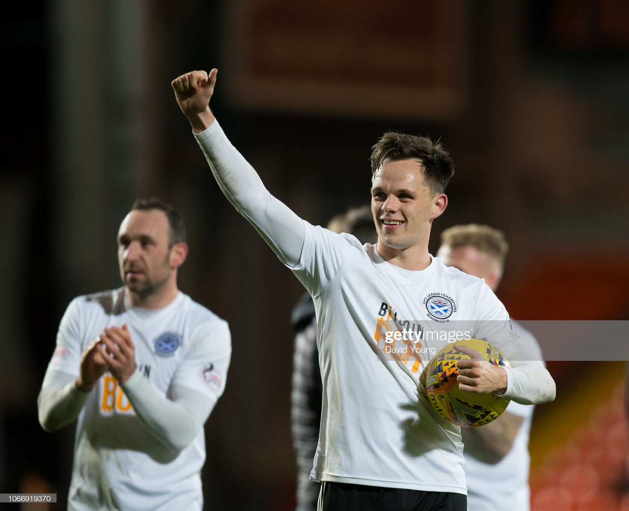 Shankland completes Dundee United move