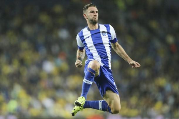 Porto bate Paços e cumpre serviços mínimos antes da Liga dos Campeões