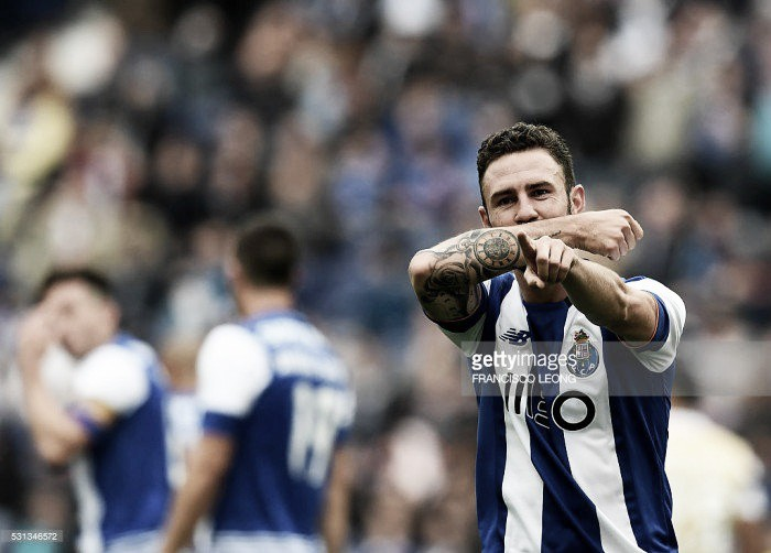 FC Porto: Layún observado pelo Real Madrid