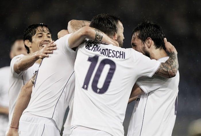 Klose marca de pênalti em sua despedida, mas Lazio perde em casa para Fiorentina