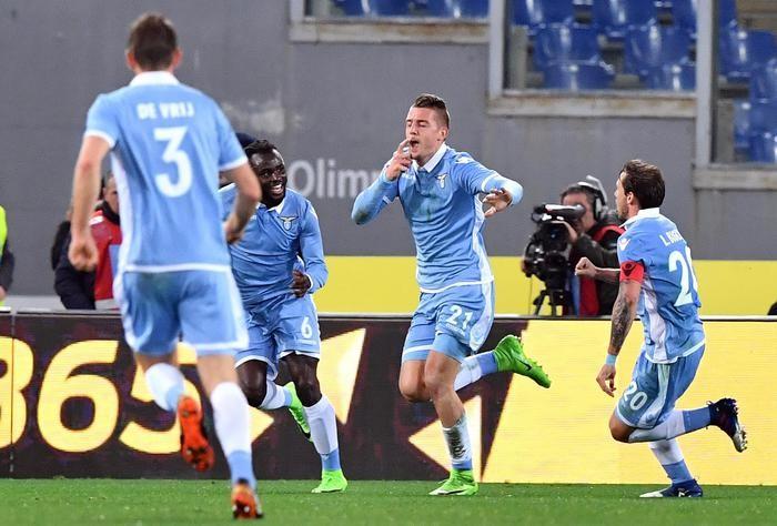 Coppa Italia 2016/17 - Il primo derby va alla Lazio, Roma battuta 2-0