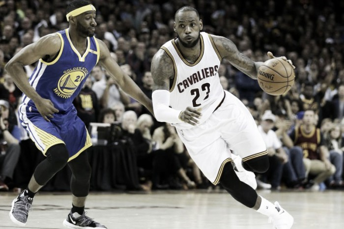 Nba, Warriors avanti 2-0 sui Cavaliers