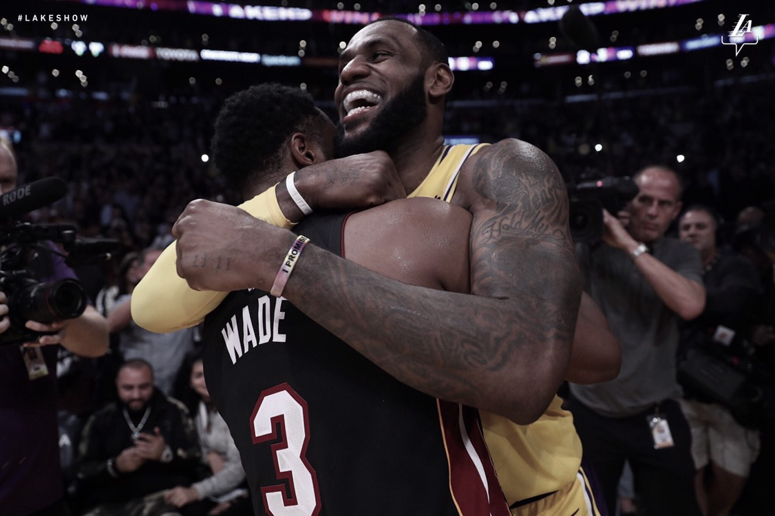 LeBron James despide a Wade con derrota del Heat ante los Lakers