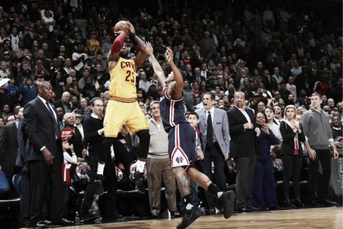 Nba, James e i Cavs da urlo a Washington: Wizards stesi all'overtime (135-140)