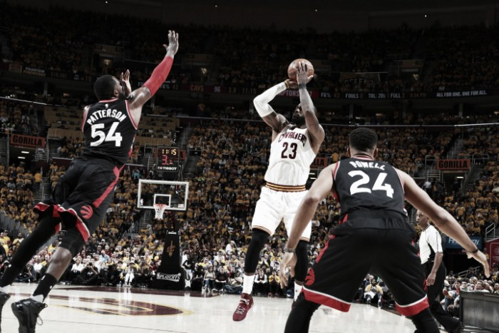 NBA playoffs, Cleveland scherza con i Raptors in gara-1 (116-105)