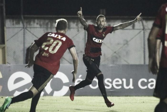 """Herói e substituto de André, Leandro Pereira exalta confiança no Sport: """"É importante fazer gols"""""""