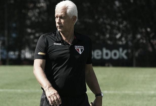 Troca de técnico e elenco: campeões mundiais relembram São Paulo de 2005