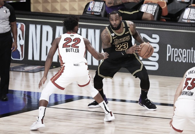 LeBron James falou sobre lance decisivo que garantiu vitória do Heat | Foto: Divulgação/NBA