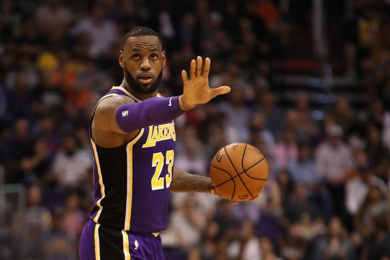 Lebron James Raih Kemenangan Pertama bersama LA Lakers
