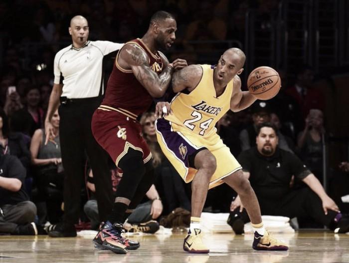 Kobe se despidió de LeBron con una derrota