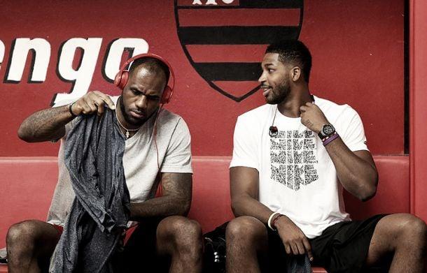 LeBron James pide a Cleveland la renovación de Thompson