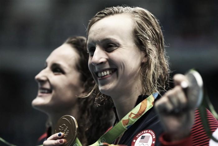 Penúltima noite da natação tem tríplice empate por prata e show de Katie Ledecky