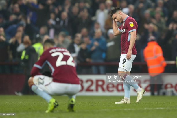 BIRMINGHAM, ENGLAND - DECEMBER 23: A dejected Scott Hogan of Aston Villa during the Sky Bet Championship match between Aston Villa and Leeds United at Villa Park on December 23, 2018 in Birmingham, England. (Photo by James Williamson - AMA/Getty Images)