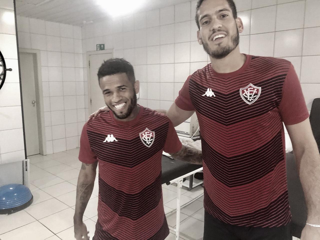 Lateral-direito Léo acerta retorno ao Vitória para sequência da temporada